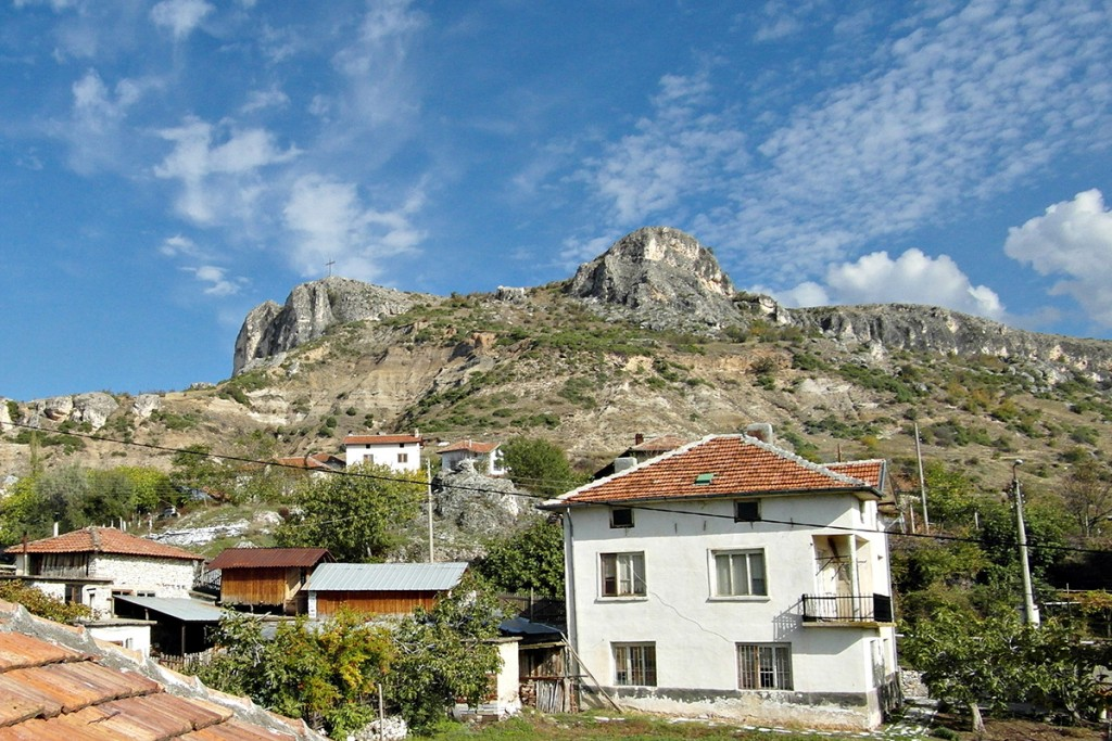 The sunny village of Ilindentsi in the Struma Valley is the home of Keratsuda wine